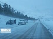 بارش برف در برخی مسیرهای کوهستانی گیلان به ۱۰ سانتیمتر رسید