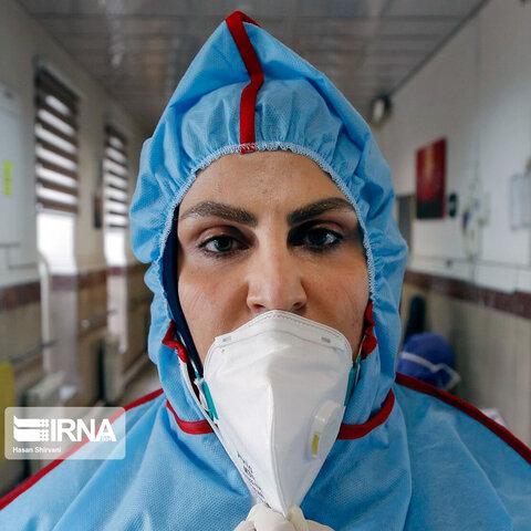 اثر جای ماسک بر صورت جهادگران سلامت