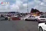 فیلم | ماجرای بسته و باز کردن خروجی تهران در عوارضی قم | واکنش نیروی انتظامی
