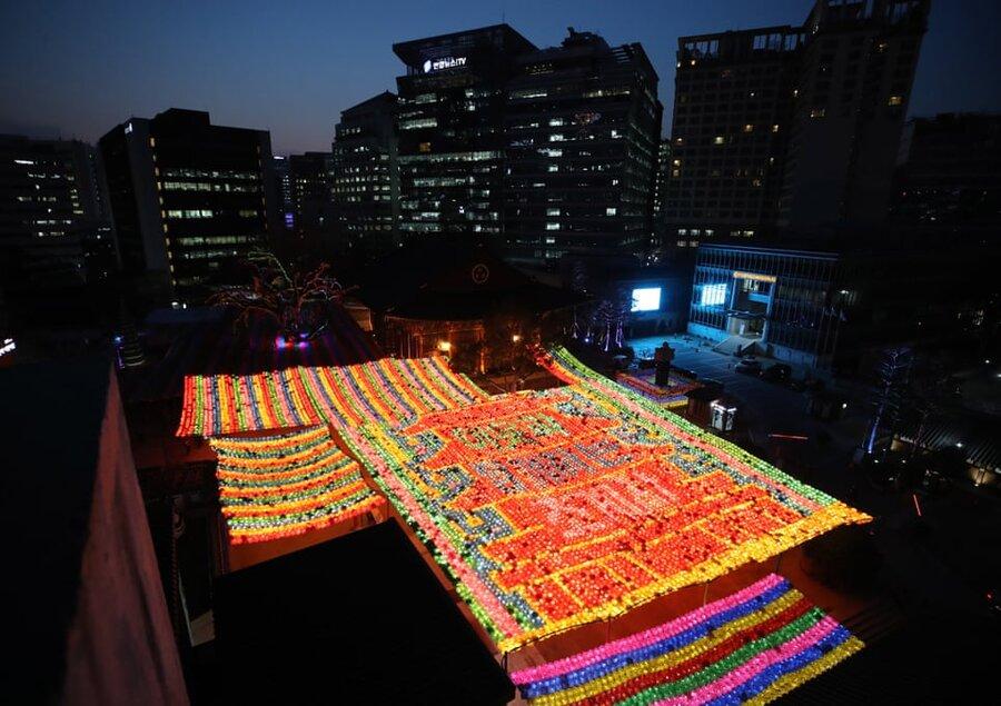 سئول/ کره جنوبی. چراغان معابد برای برگزاری جشن مذهبی
