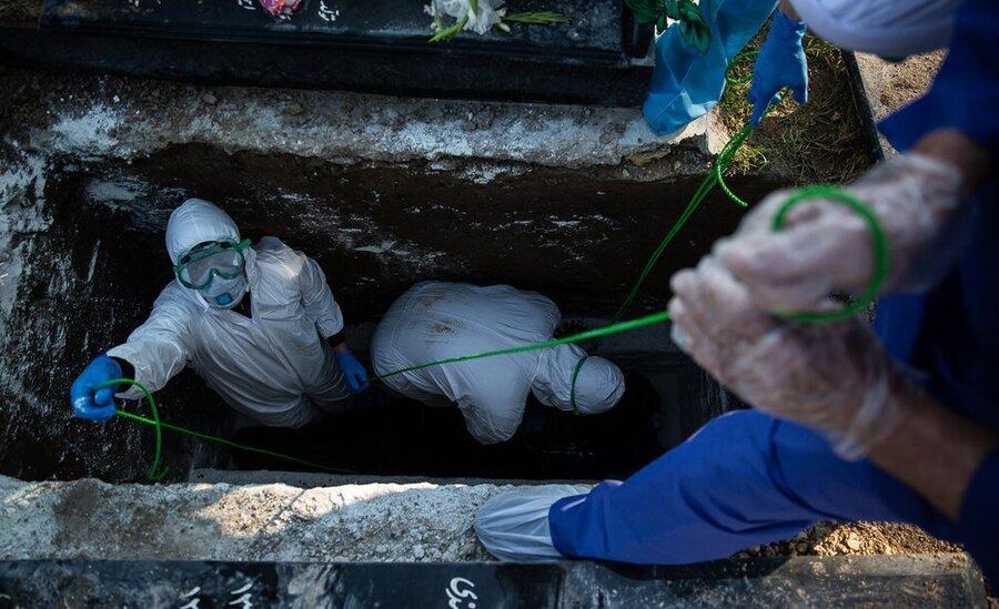 کرونا - تدفین - عکاس:امیرعلی رزاقی