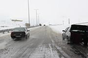 جادههای زنجان برفی و بارانی است