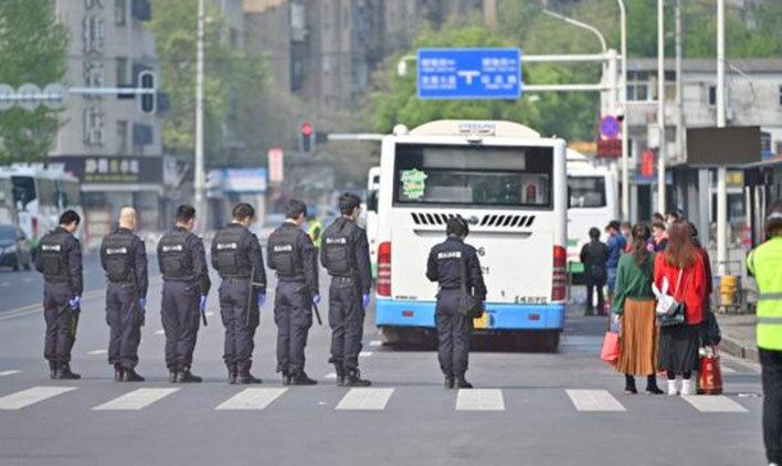۱۹ بیمار و چهار مرگ کرونایی در چین | سه دقیقه سکوت به یاد قربانیان
