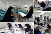 قاب تصویر | این زنان لباس بیمارستانی کادر درمانی ویژه کرونا را میدوزند