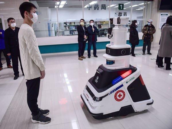 ربات های پزشکی و خدماتی