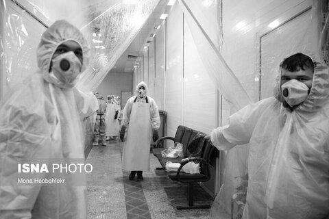 برای جلوگیری بیماری کرونا سالن ویژه تغسیل اموات کرونایی با پوشش پلاستیکی از فضای عمومی غسالخانه جدا شده است