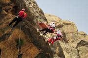 امدادرسانی به ۵ حادثه دیده در ارتفاعات کمرکوه قم
