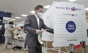 انتخابات در دوران کرونا | کرهایها با ماسک و دستکش پای صندوق رفتند