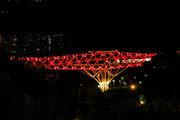 پل طبیعت قرمز میشود
