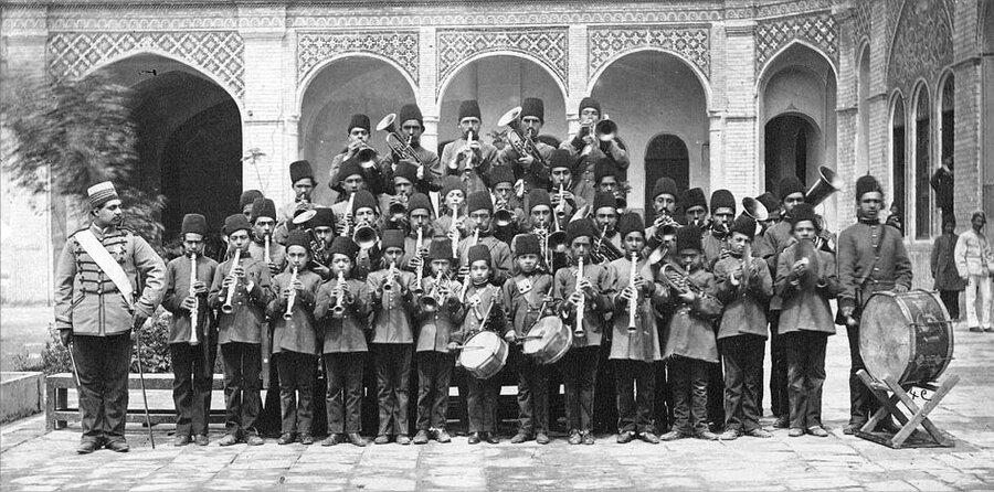 نخستین گروه موسیقی دانشآموزی در ایران