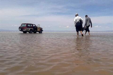 دریاچه طبیعی در کویر