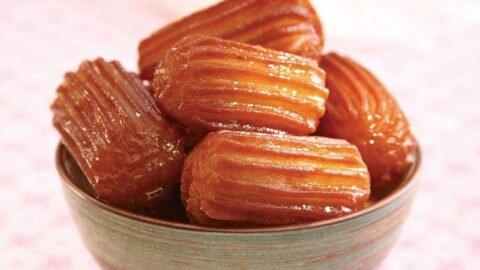 طرز تهیه بامیه | شیرینی مخصوص ماه رمضان را در خانه درست کنید
