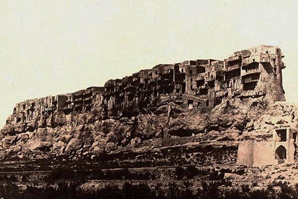 قلعه تبرک اصفهان