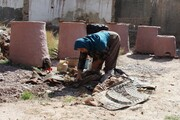 توزیع ۳۰۰ تنور سنتی بین سیلزدگان رودبار جنوب