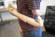 ساخت پیشرفتهترین دست مصنوعی   این دست مصنوعی با ذهن کاربر کنترل میشود