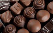 شکلات خوردن باعث آکنه و جوش صورت میشود؟