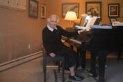 کلاس پیانوی بازمانده ۹۲ ساله هولوکاست در زمانه کرونا