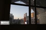 تصاویر | واکنش خادمین و زائران در لحظه بازگشایی حرم مطهر رضوی