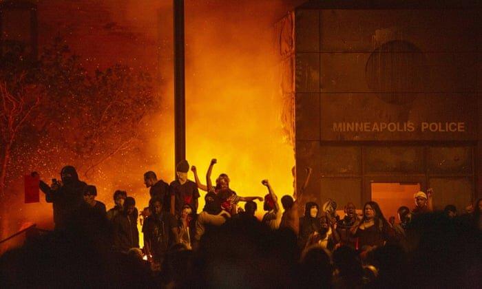 اعتراض مردم آمریکا به قتل جورج فلوید