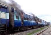 فیلم | آتشسوزی واگنهای قطار مسافربری در نزدیکی تهران