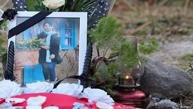 فیلم | نصب سنگ قبر رومینا اشرفی