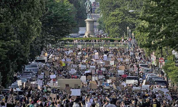 اعتراض مردم سراسر جهان به قتل جورج فلويد