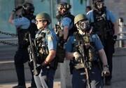 ویدئو | اشتباه خندهدار پلیس آمریکا؛ شلیک گاز اشکآور به خودی