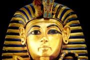 انتشار اولین عکس رنگی از لحظه باز کردن تابوت توتانخامون در مصر