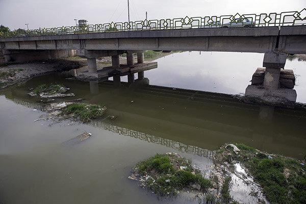 فاضلاب در رودخانه