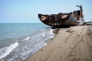 شناورهای غرقشده خلیج گرگان از آب خارج میشود