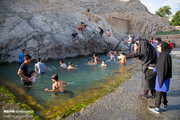 گزارش تصویری   اینجا چشمه علی شهرری   آبتنی با کرونا!