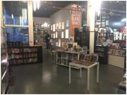 کتابفروش ایتالیایی عاشق کمیک در ایرلند از امیدواریهایش میگوید