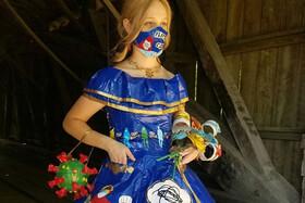 تصاویر | خلق لباسی شگفتانگیز از چسب نواری با مضمون کرونا