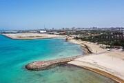 تصاویر زنجیره انسانی و اعتراض مردم به فروش ساحل در قشم