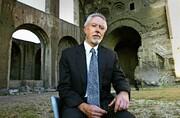 استاد پترزبورگ دنبال قاتل پسر | داستانی با ارجاع به زندگی داستایفسکی به قلم برنده نوبل