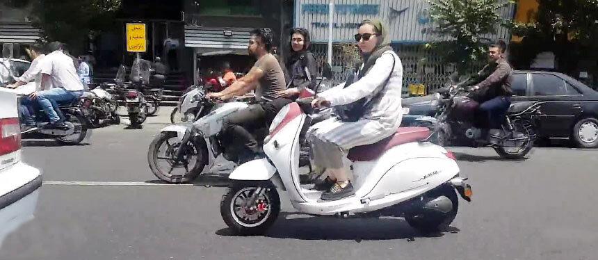 موتورسوار-زن