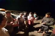 نجات ماجراجویانه زوجهای گرفتار در دریاچه ارومیه