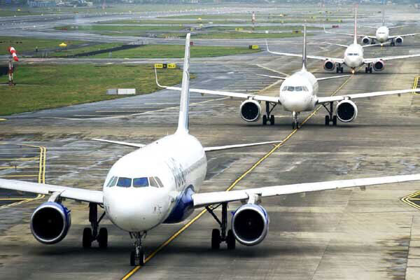 هواپیما - پرواز - فرودگاه - آشیانه