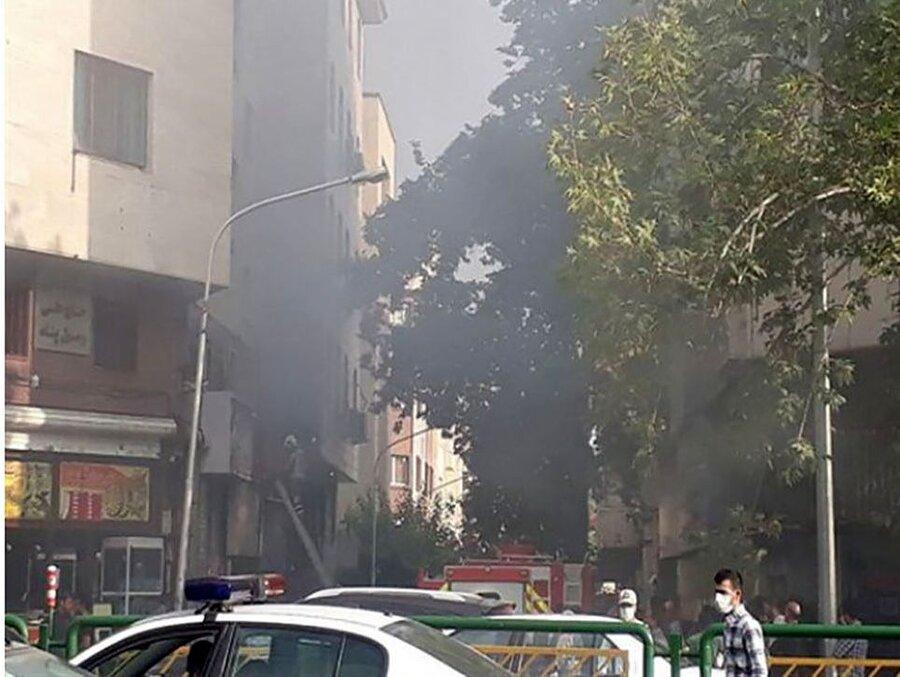علت مشاهده دود در میدان فردوسی تهران | تصاویر آتشسوزی را ببینید