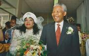 مرگ ناگهانی دختر ۵۹ ساله نلسن ماندلا در بیمارستان ژوهانسبورگ