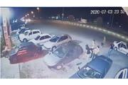 ویدئو | حمله اوباش با شمشیر و قمه به خودروهای مردم در سرخرود