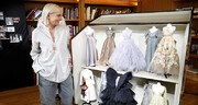 تصاویر   خلاقیت «دیور» در برگزاری هفته مد؛ پیراهنهای مینیاتوری در خانه مد عروسکی