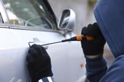 دزدیدن خودرو با سرنشین | سرانجام گلاویز شدن زن جوان با سارق