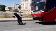 ویدئو | کشیدن اتوبوس ۱۸ تنی توسط زن سیرجانی