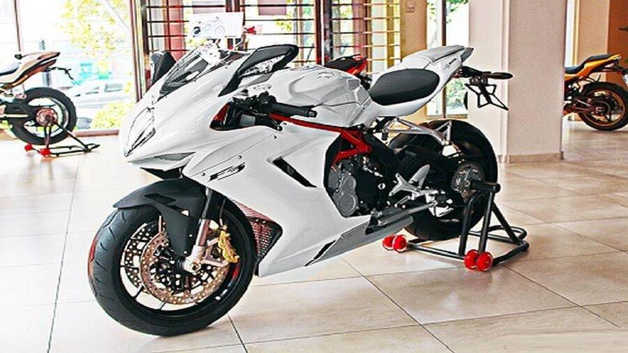 خرید موتورسیکلت چقدر هزینه دارد؟ | وسپا ۷۰ میلیون تومان