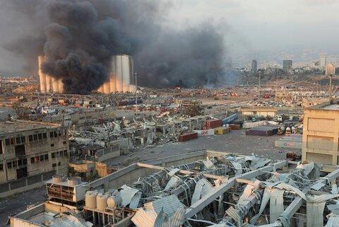 دود پس از انفجار بیروت به بالا رفت و از بیشتر مناطق این شهر دیده شد