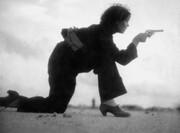 تصاویر | اولین عکاس زن که در خط مقدم جنگ کشته شد
