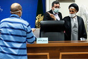 تصاویر | ژستهای متهمان و واکنشهای قاضی در اولین جلسه پرونده خودروهای قاچاق