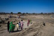 فیلم | سختیهای مردم روستای بدون برق با خانههای کپری