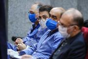 تصاویر | پانزدهمین جلسه دادگاه مدیرعامل سابق شرکت بازرگانی پتروشیمی ؛ وقتی وکیل و متهم زیر حرفهایشان میزنند
